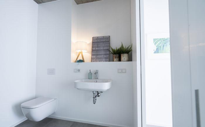 Das Bad mit hochwertiger Keramik