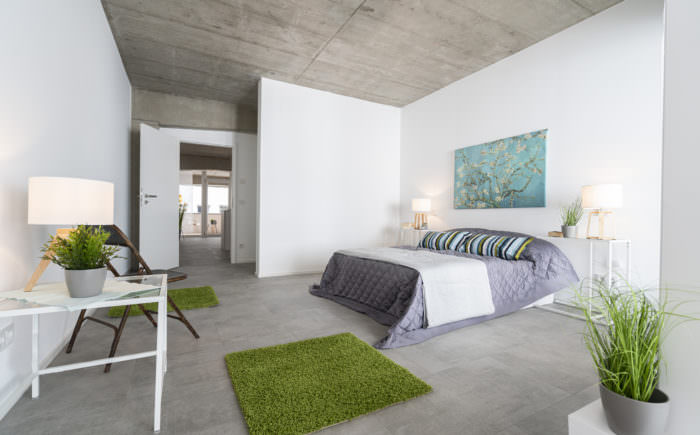 Schlafzimmer mit Nische für den Kleiderschrank