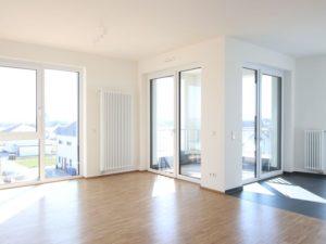 152 Das Wohnzimmer mit Blick zur Loggia